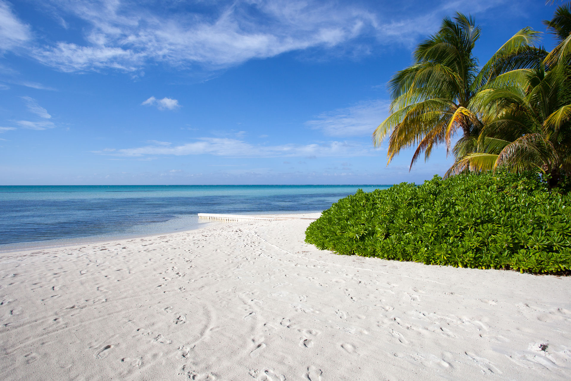 GrandCaymanBeachLoRes