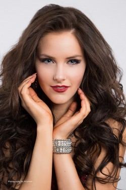 Miss Universe Canada 2015 Delegate