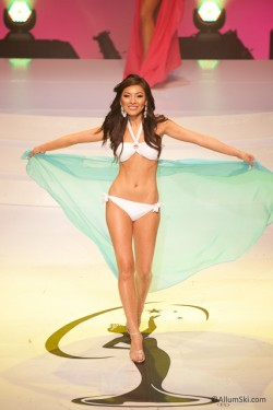 pageant-muc-2012-swimsuit-3